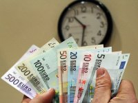 11,400 Lithuanians paid over EUR 3,000 monthly salary in October