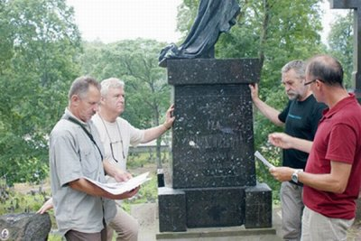 The visit of Polish restorers in Rossa: good news for the angel