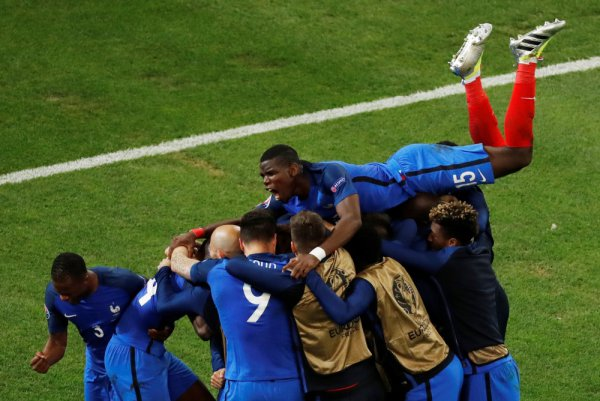 France reaches the 2018 World Cup Final!