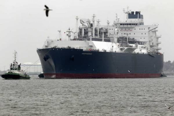Elenger starts delivering natural gas from the Lithuanian vessel Independence